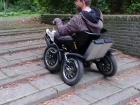 Elektrinis mini visureigis neįgaliems Zoom